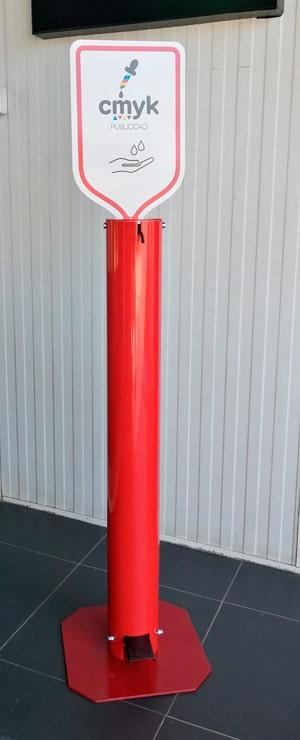 Coluna dispensador de gel álcool pé vermelho